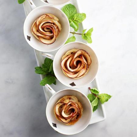 Les roses feuilletées aux pommes de Belle