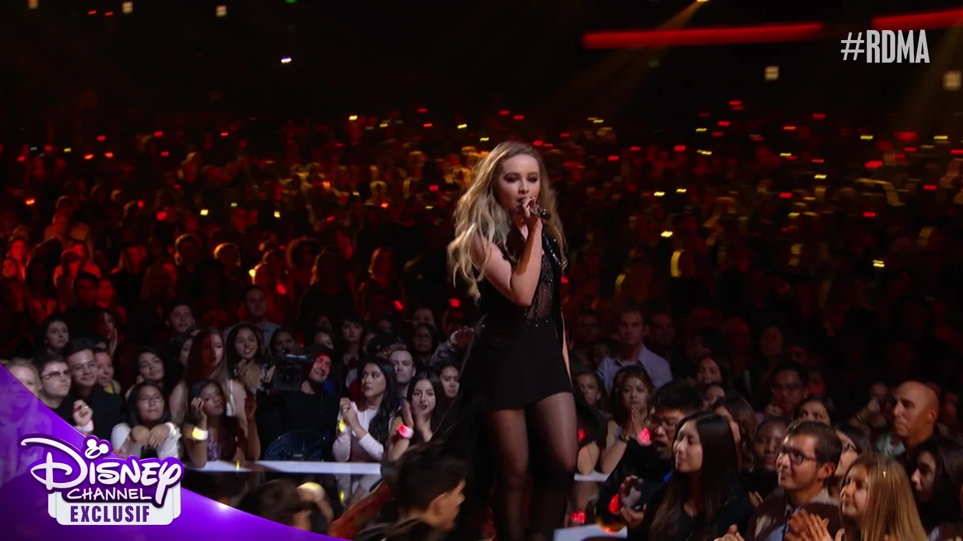 "RDMA 2016 - Sabrina Carpenter ""Smoke and Fire"" en live"