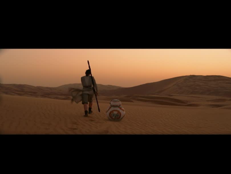 Star Wars : le réveil de la Force - Rey rencontre BB8