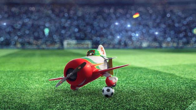 Fußball-Fieber: Dusty trainiert für die EM