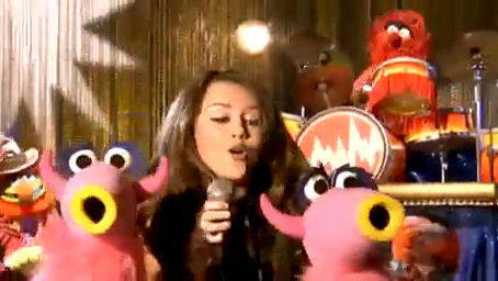 """Die Muppets - Musikvideo - """"Girls' Night Out"""" - Miley Cyrus"""